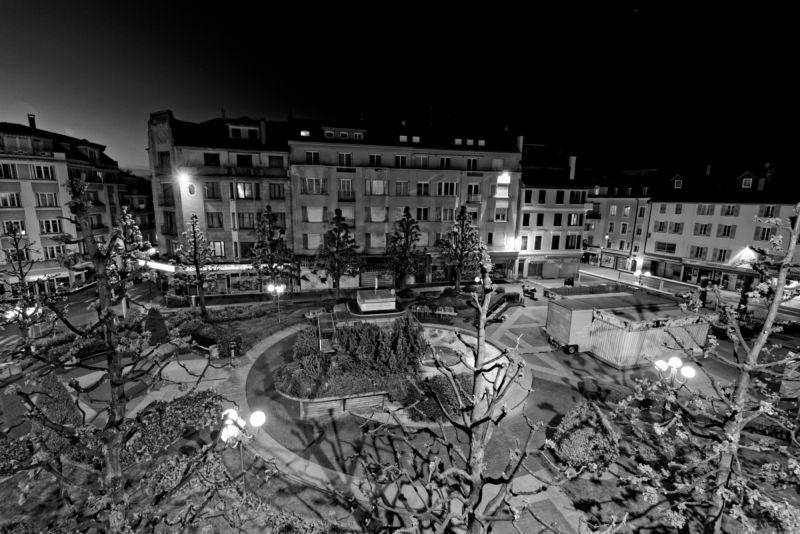 Photographie Noir et Blanc du Square Aristide Briand à Thonon-lesBains